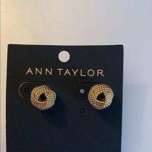 Earrings/Accessories